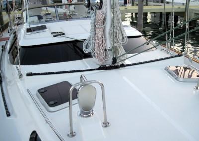 Passport Vista 585TC & 615TC Forward Deck - Lines Coiled for Boat Show